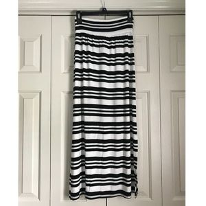 AB Studio Black and White Striped Maxi Skirt